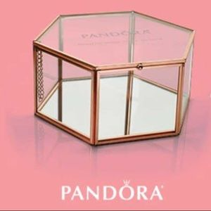 2017 LE Pandora Mother's Day Jewelry Box